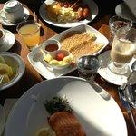 breakfast buffeet