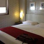 quarto do hotel Confiance Inn