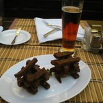 Fabulous fried garlic bread and the ever abundant beer