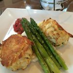 Dinner at the Hotel: Maryland Crabcakes