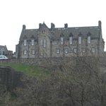 Vista lateral da janela do quarto (Castelo de Edimburgo)