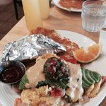 Tex-mex scramble minus the chorizo. Yum! Corn tortillas and bottomless mimosas (up to 1 hour - $