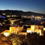 Вид на ночную Элунду с балкона
