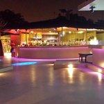 Le bar et sa piste de dance