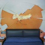 opera d'arte nella stanza 501