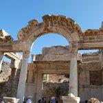 Romeinse bouwstijl en versieringen.