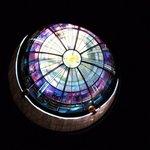 クーポラ(天井)のステンドグラス