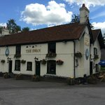 The Swan Inn is a traditional country pub in the middle of the New Forest