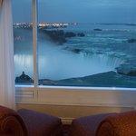 Grand Niagara Suite