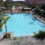 Шикарный вид и прекрасный бассейн
