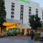 Holiday Inn La Mirada is located in a quiet place