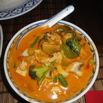 Tofu with red curry and vegetables
