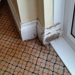 Skirting in room with no paint