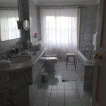 Lord Antrim suite bathroom