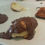 Café da manhã, impossível não colocar Nutella em absolutamente tudo!