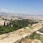 Вид с Акрополя на город