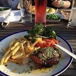 Steak with garlic and tarragon