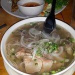 Tan Lac Vien의 사진