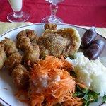 Assiette Louis d'or (accras, boudin et cristofine au crabe)