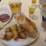 breakfast buffet (changed each day)