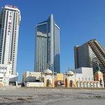 Вид на казино с берега