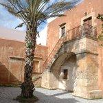Φοίνικας στην εσωτερική αυλή της Ιστορικής Τράπεζας