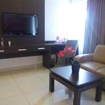 sofa, lcd, wifi, kamar luas utk suite room