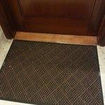 who keeps doormats......
