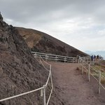 sentiero in cima al vulcano
