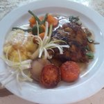 Grilled fillet of chicken demi glazed/ mashed potato. Blancs vegetable