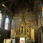 聖血教堂內部