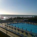 Tirrenia Continental: il mare dalla piscina