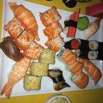 medium sushi platter