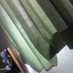 cortinas descosidas. Principio de temporada.