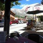 """Terraza de restaurante """"El Portazgo""""  Cuevas del valle"""