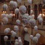 Weird 'floating' heads! 😊