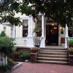 Entrance to Azalea Inn and Gardens