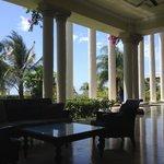 Lady Hamilton lobby