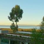 desde el 2° piso vista al lago titicaca