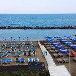La spiaggia vista dall'Hotel