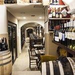 Foto de Etna Rosso Wine Bar