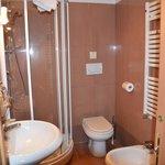トイレ・ビデ、バスタブ無しのシャワーブース