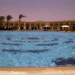 Hotel & Pool 'new side'
