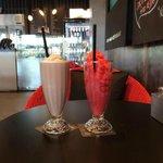 Choco mint and raspberry shake