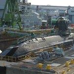 建造中の潜水艦