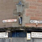 Nice to see the gaelic street names.