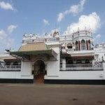 Kannadukathan chettiar Palace.