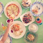 Spicy mango salad, Pad Thai, Ga Pao, Hawaiian pizza