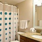 Studio & One-Bedroom Suite Bathroom