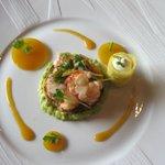 Salade de Homard et Pamplemousse croustillant Pomme de Terre au curry doux et gelée à la Sauge